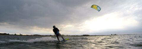 Try kitesurfing kursus